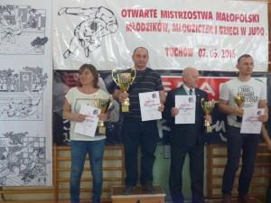 Pierwsze miejscu drużynowo Tuchów